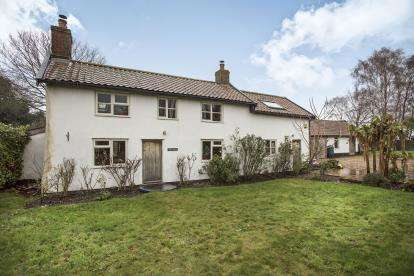 2 Bedrooms Detached House for sale in Deopham, Wymondham, Norfolk