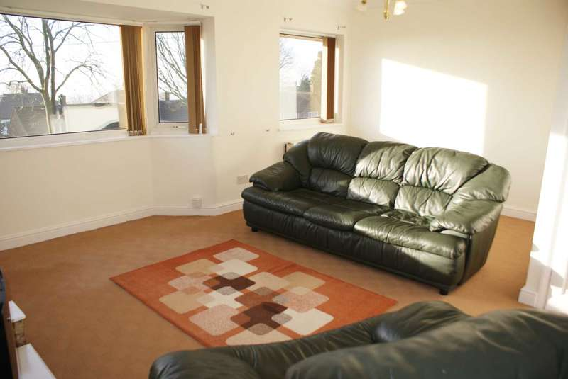 2 Bedrooms Apartment Flat for sale in Winster Drive, Breightmet