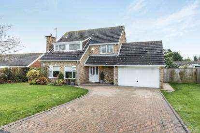 4 Bedrooms Detached House for sale in St Marys Park, Louth, Lincolnshire, .