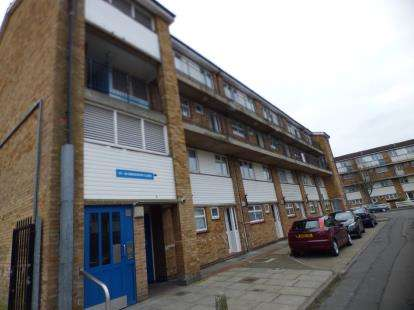 3 Bedrooms Maisonette Flat for sale in Emsworth Close, St Mary's Road, Lower Edmonton, London