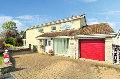 4 Bedrooms Detached House for sale in Oakleigh Gardens, Oldland Common, Bristol