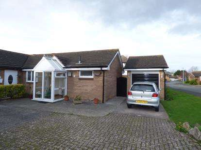 1 Bedroom Bungalow for sale in Kingsway, Llandudno, Conwy, North Wales, LL30