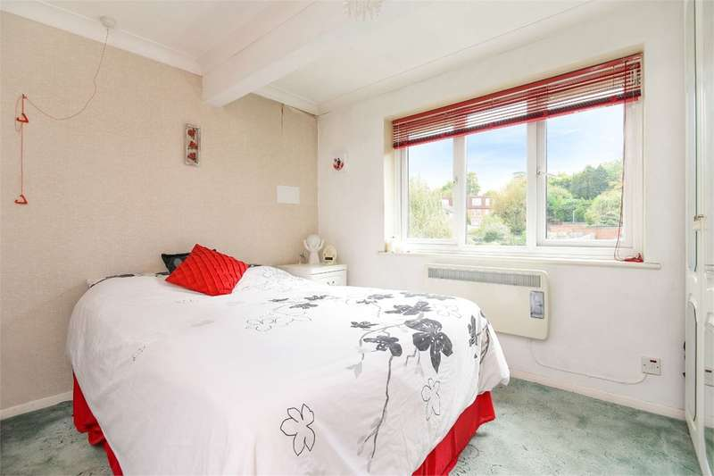 2 Bedrooms Retirement Property for sale in Reading Road, Wokingham, RG41