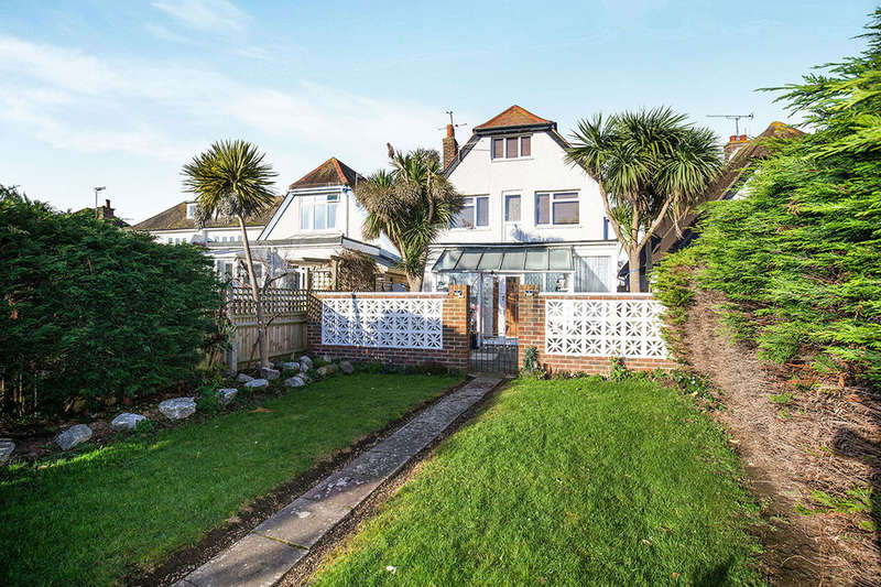 2 Bedrooms Flat for sale in Latimer Road, Worthing, BN11