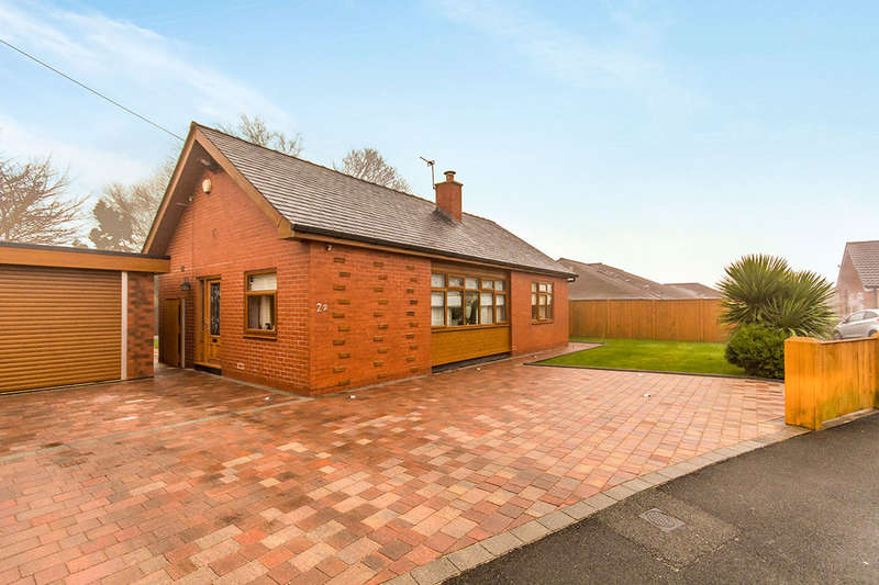 3 Bedrooms Detached Bungalow for sale in Mayfield Avenue, Farnworth, Bolton, BL4