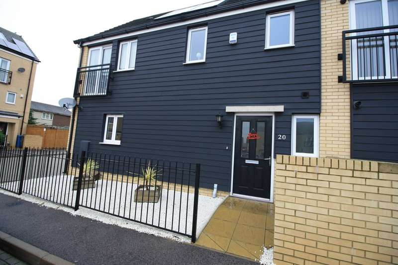 3 Bedrooms Semi Detached House for sale in Fox Field Close, West Thurrock