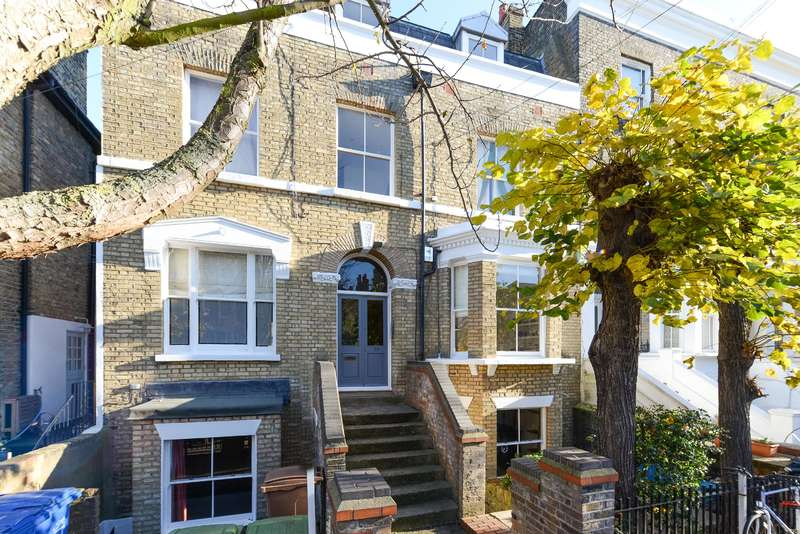 2 Bedrooms Flat for sale in Talfourd Road, Peckham, SE15