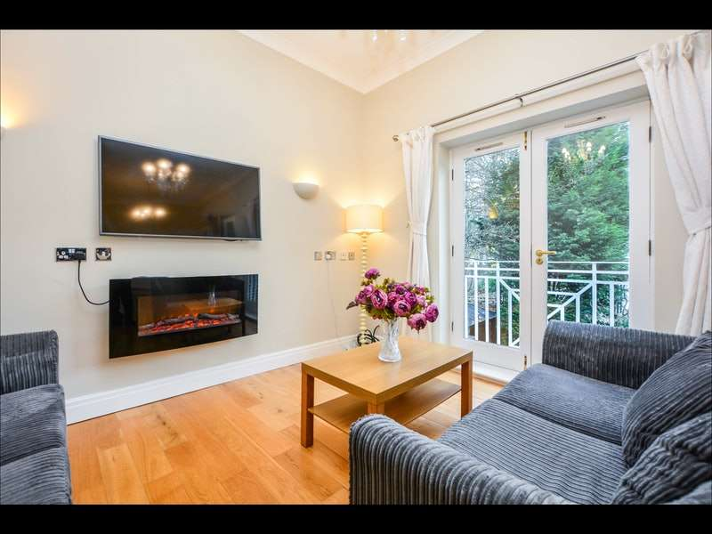 2 Bedrooms Flat for rent in Wetherby Road, Leeds, West Yorkshire, LS8
