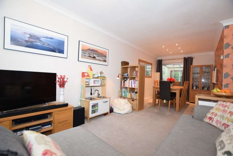 3 Bedrooms Terraced House for sale in Quebec Avenue, Westerham, TN16