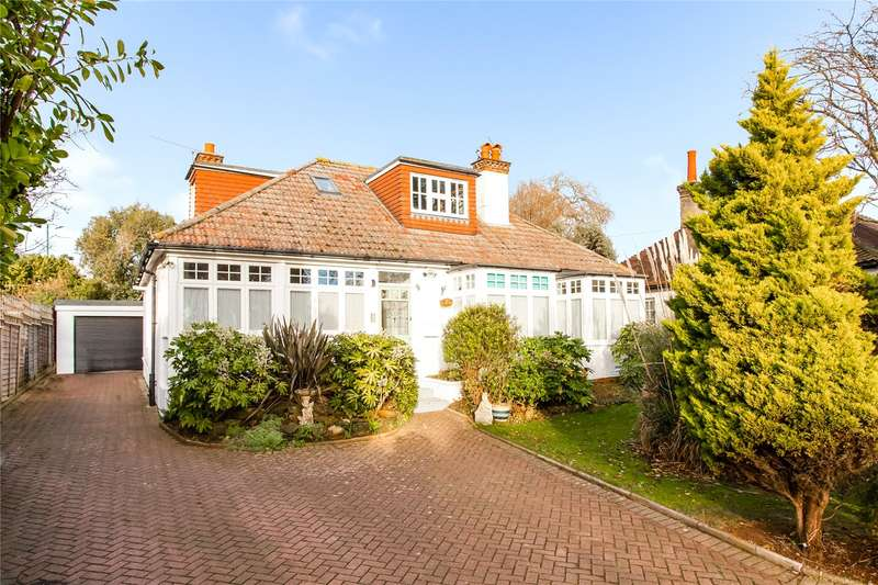 4 Bedrooms Detached House for sale in The Droveway, Hove, East Sussex, BN3