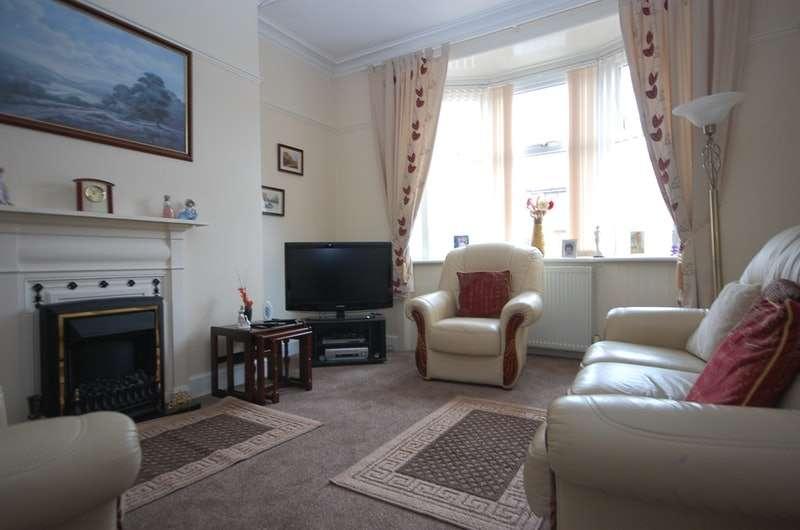 2 Bedrooms Bungalow for sale in Hillhouseridge Road, Shotts, Lanarkshire, ML7