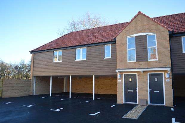 2 Bedrooms Maisonette Flat for sale in Mertoch Leat, Water Street, Martock, Somerset