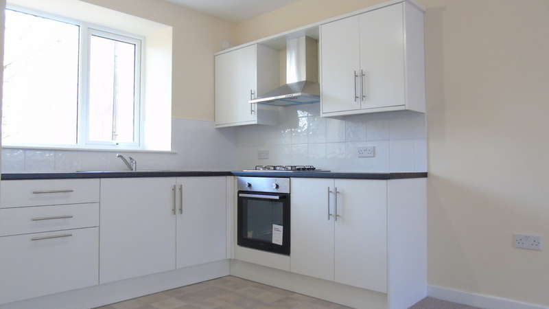 3 Bedrooms End Of Terrace House for sale in Oxford Street, Pontycymer, Bridgend