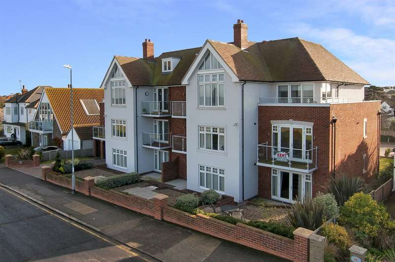 2 Bedrooms Flat for sale in 17 Marine Parade, Tankerton, Whitstable