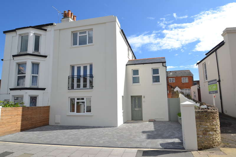 4 Bedrooms Town House for sale in Ryde, Isle Of Wight
