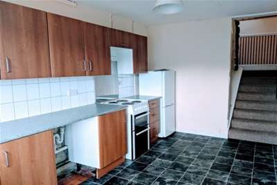 4 Bedrooms Flat for rent in Rosevean Gardens, Mannamead