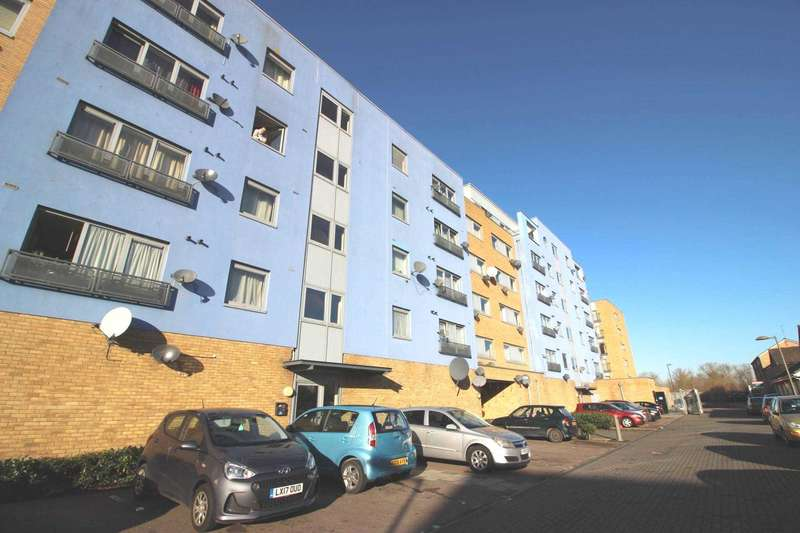 2 Bedrooms Apartment Flat for rent in Hill House, Thamesmead West, SE28 0NQ
