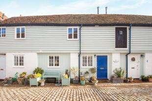 1 Bedroom Terraced House for sale in Bedlington Square, Market Place, Faversham, Kent