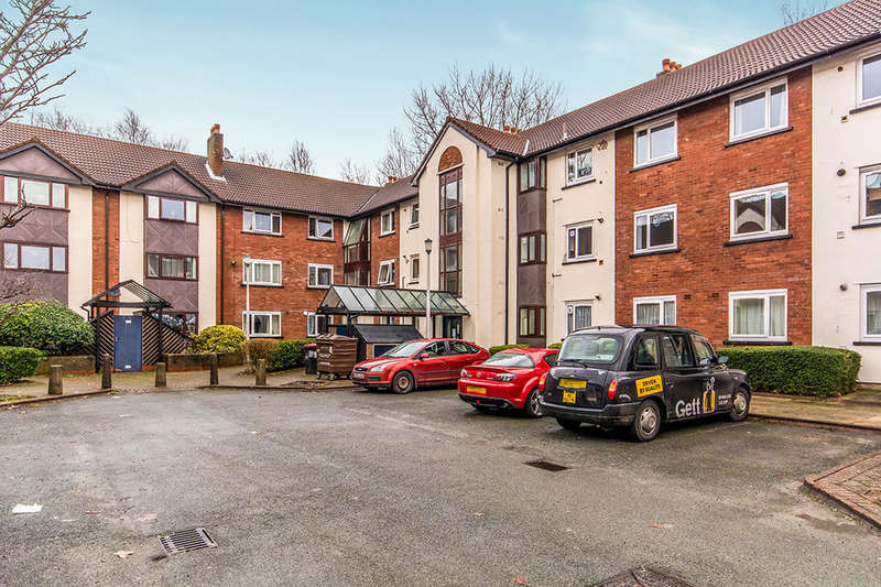 2 Bedrooms Flat for sale in Canterbury Gardens, Salford, M5