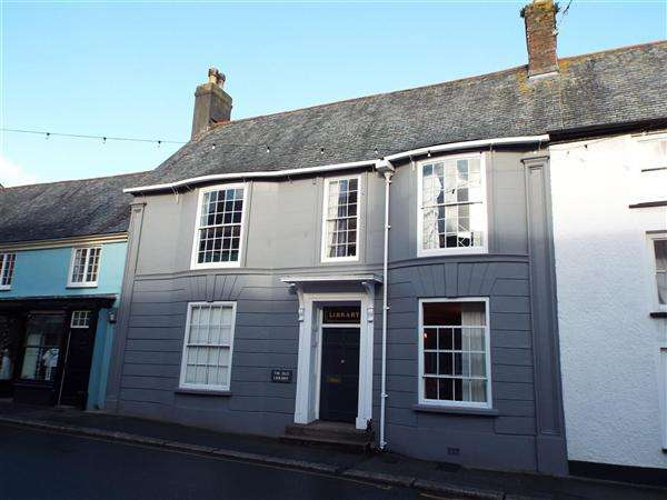 8 Bedrooms Terraced House for rent in The Old Library, Broad Street, Penryn