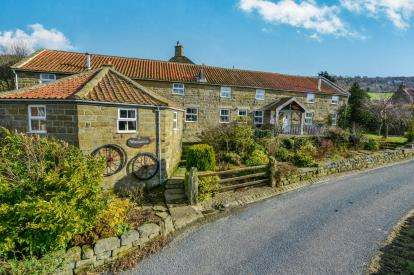 7 Bedrooms Detached House for sale in Glaisdale, Whitby, North Yorkshire, .