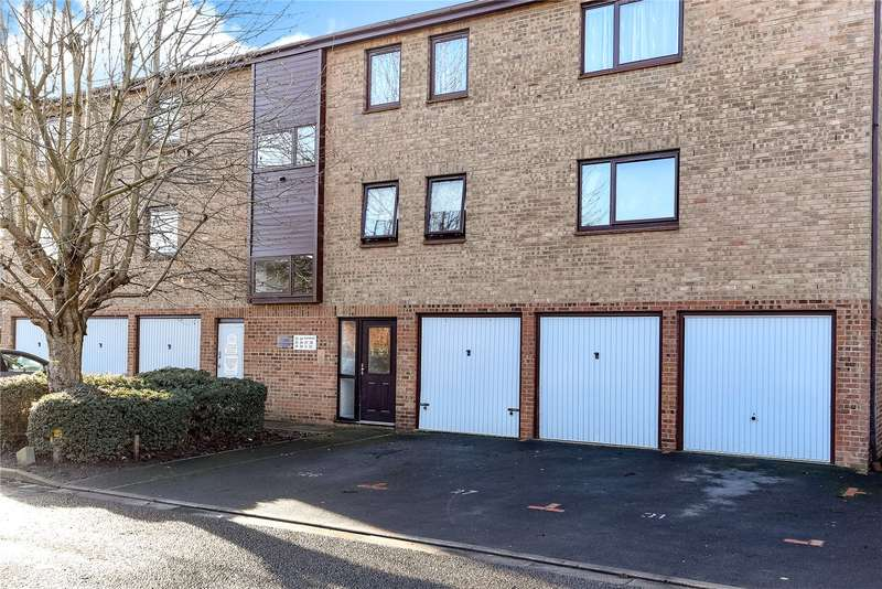 2 Bedrooms Apartment Flat for sale in Waterside, Uxbridge, Middlesex, UB8