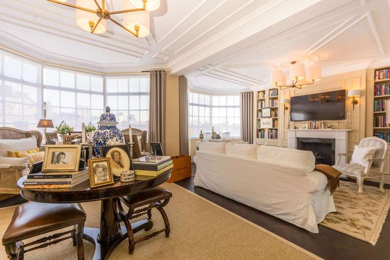 3 Bedrooms Flat for sale in Portland Place, Marylebone, W1B