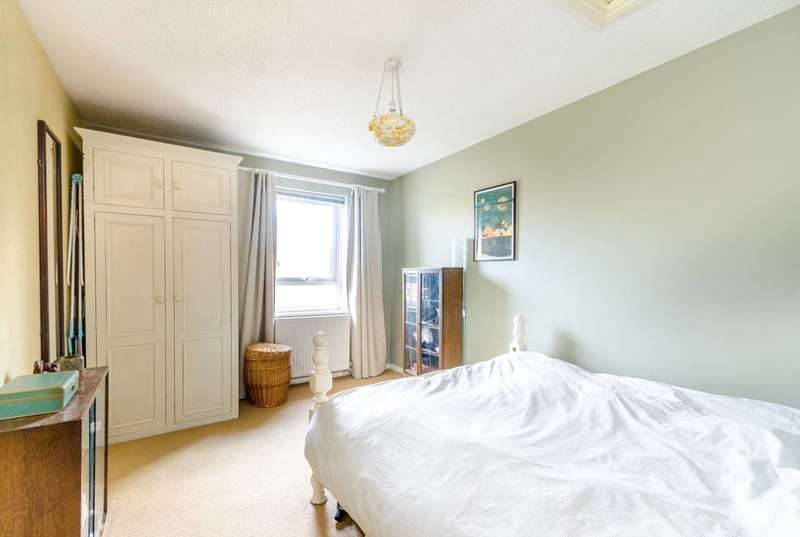 1 Bedroom Flat for sale in Wood Vale, Forest Hill, SE23