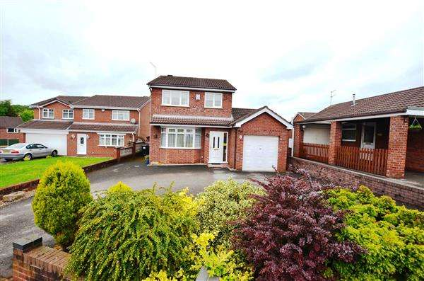 3 Bedrooms Detached House for sale in Brookwood Close, Westbury Park, Newcastle