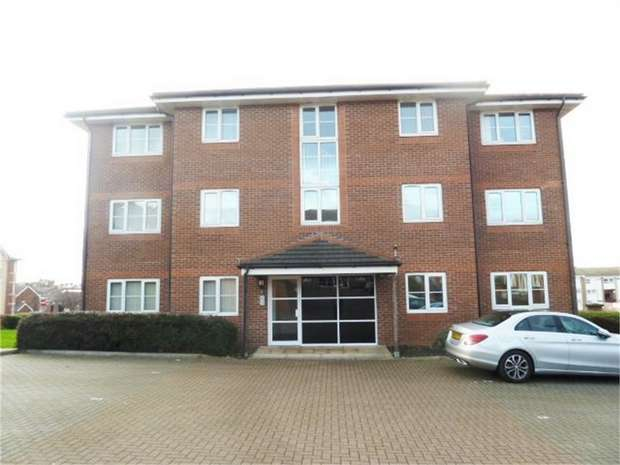2 Bedrooms Flat for sale in Spohr Terrace, South Shields, Tyne and Wear