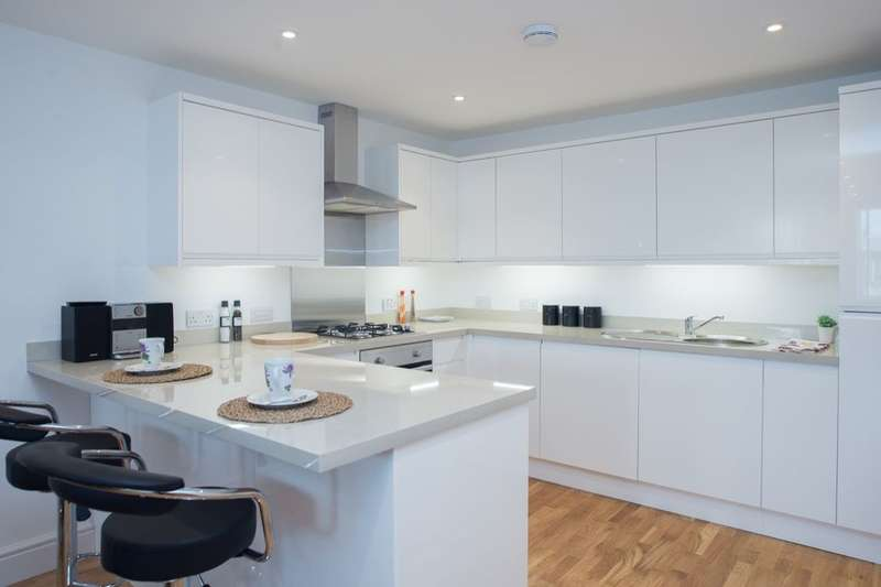 1 Bedroom Flat for sale in Ground Floor Flat B London Road, Cheam, Sutton, SM3