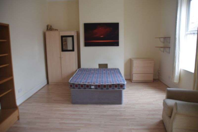 Property for rent in Double Bedroom Near City Centre off Hagley Road