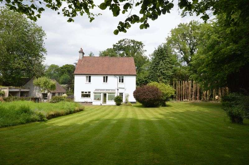 5 Bedrooms Property for sale in Liphook Road, Haslemere