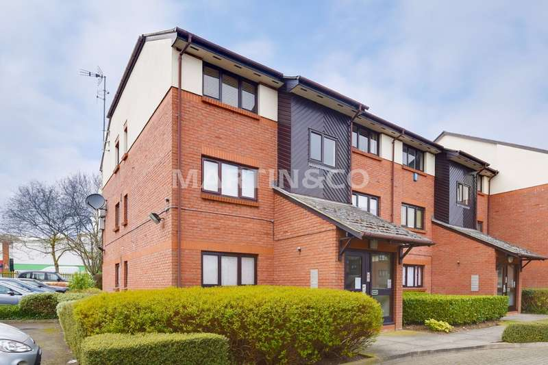 1 Bedroom Property for sale in Maple Gate, Loughton IG10