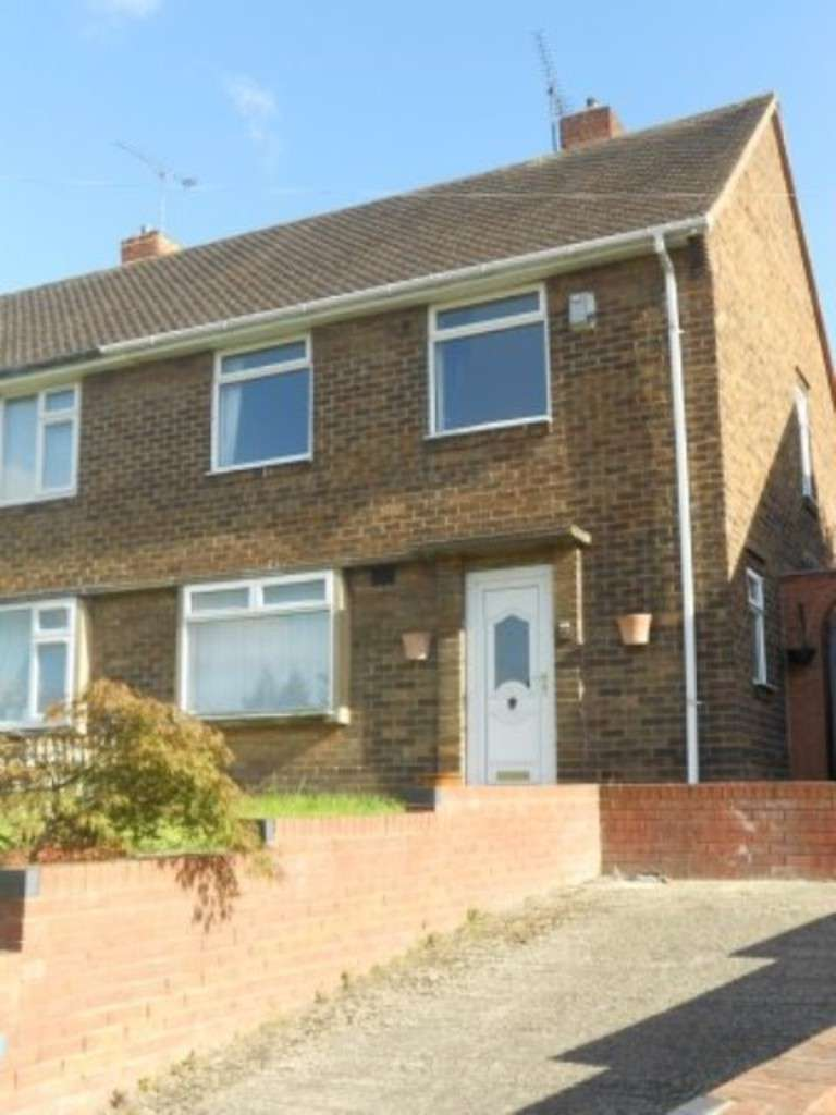 3 Bedrooms Semi Detached House for rent in Rufford Street, Worksop S80