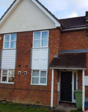 2 Bedrooms Semi Detached House for rent in penlee rise, tattenhoe