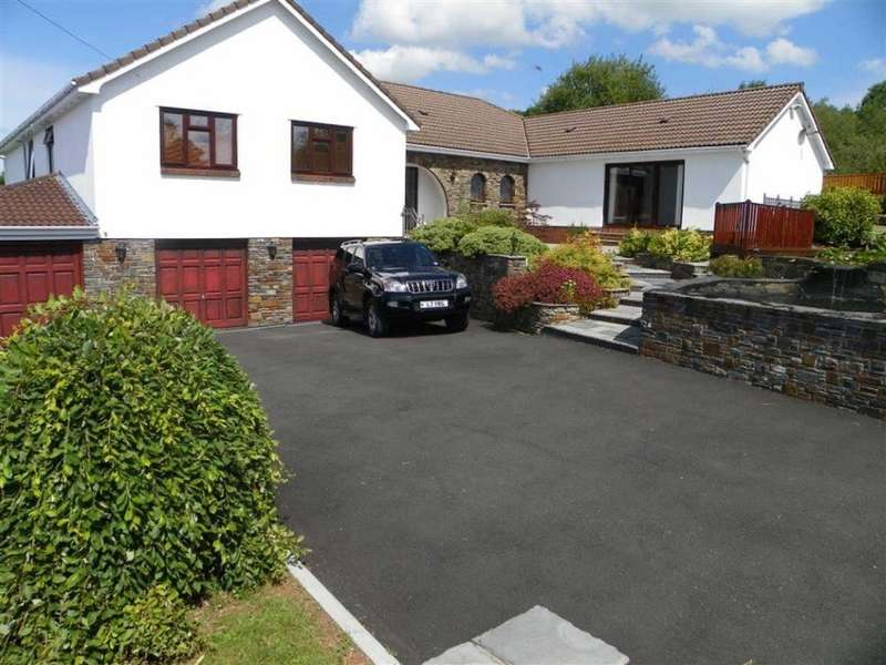 4 Bedrooms Detached House for sale in Porthyrhyd