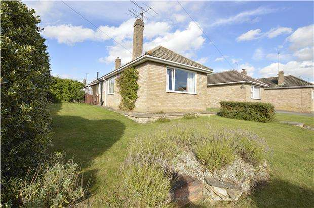 2 Bedrooms Semi Detached Bungalow for sale in Delabere Road, Bishops Cleeve, GL52 8AJ