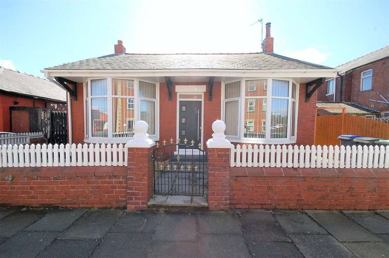 2 Bedrooms Detached Bungalow for sale in Harcourt Road, Blackpool