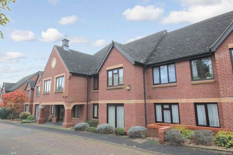 2 Bedrooms Property for sale in Christchurch Court, Ipswich, IP4 2DQ
