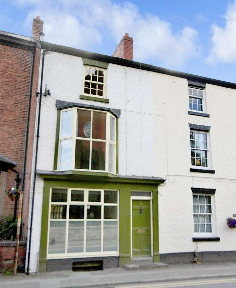 3 Bedrooms Terraced House for sale in High Street, Llanfyllin