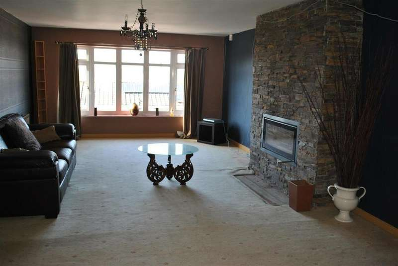 3 Bedrooms Apartment Flat for rent in Airedale Gardens, Hetton-Le-Hole