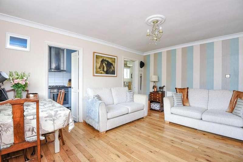 2 Bedrooms Flat for sale in Mountbatten Mews, Earlsfield