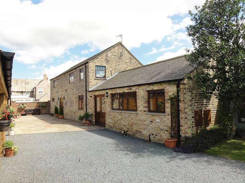 3 Bedrooms Barn Conversion Character Property for sale in Old Milling Barn, Barmby on the Marsh, East Yorkshire