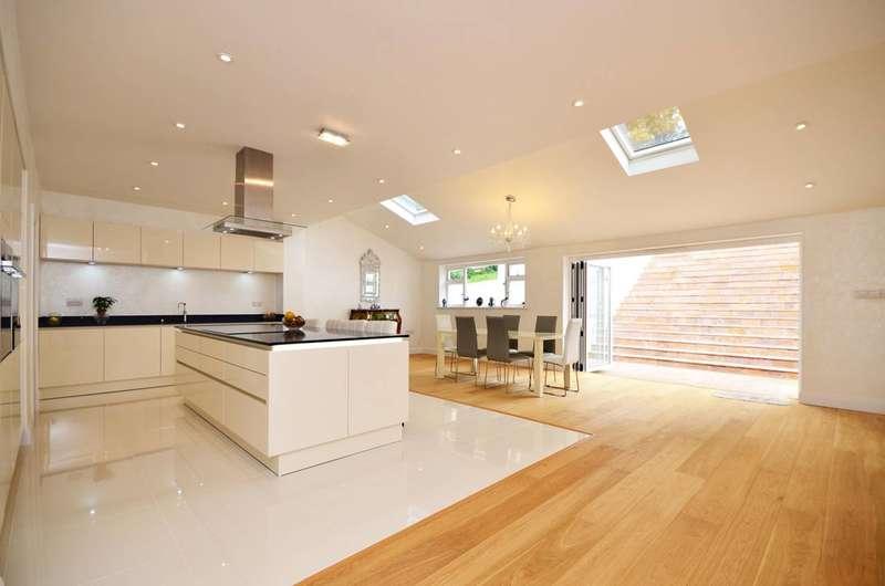 6 Bedrooms Detached House for rent in Harvey Road, Guildford, GU1