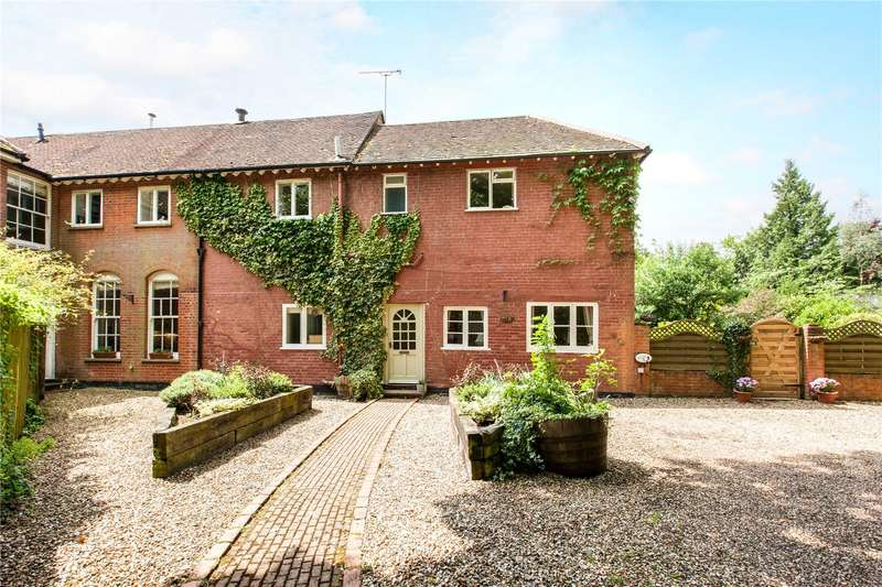 5 Bedrooms Semi Detached House for sale in The Ridge, Cold Ash, Thatcham, Berkshire, RG18