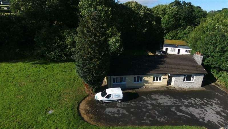 5 Bedrooms Detached Bungalow for sale in Cwmffrwd, Cwmffrwd, Carmarthen