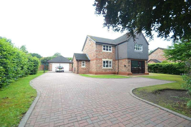 5 Bedrooms Detached House for sale in The Avenue, Sale