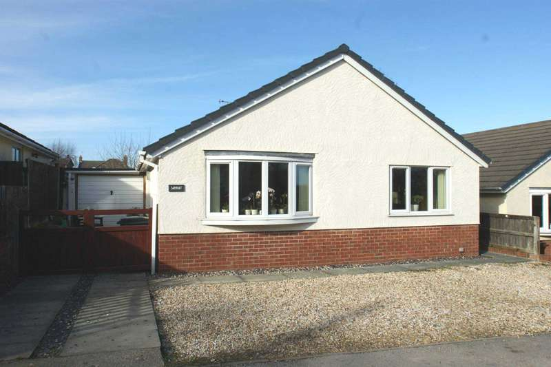 3 Bedrooms Detached Bungalow for rent in Y Nant, Rhewl, Holywell, CH8 9QU.