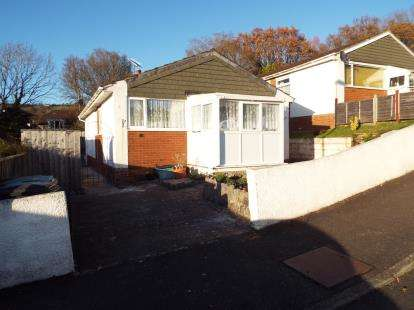 2 Bedrooms Bungalow for sale in Teignmouth, Devon